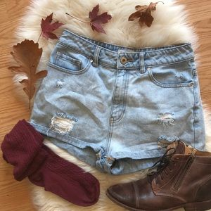 "🍁 Bullhead ""mom short"" high waisted shorts"